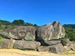 石舞台古墳と飛鳥の山
