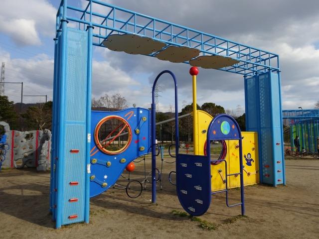 ロケット広場の遊具スペースアドベンチャー