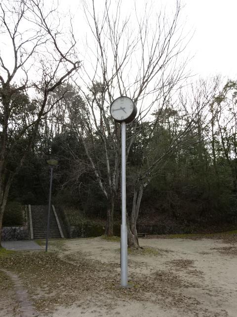 大渕池公園西地区の児童広場の時計