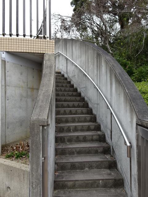 トイレ横の階段
