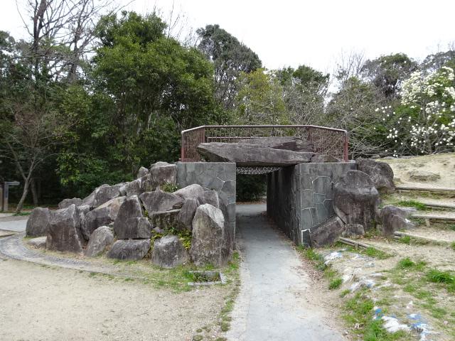 バンクーバー砦となりの謎の石