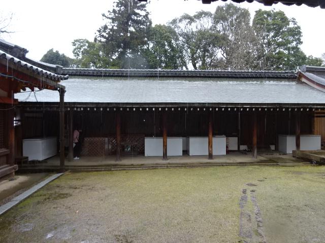 氷室神社左側の建物