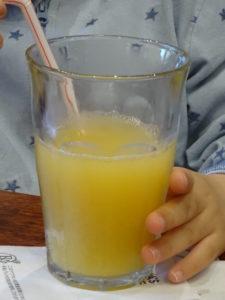 子供用アップルジュース