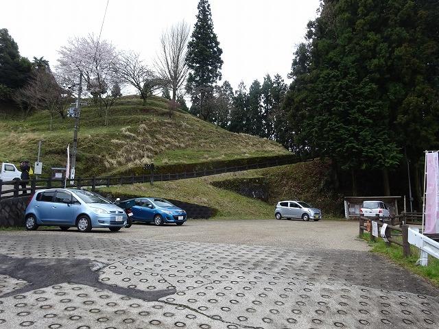 佛隆寺の駐車場