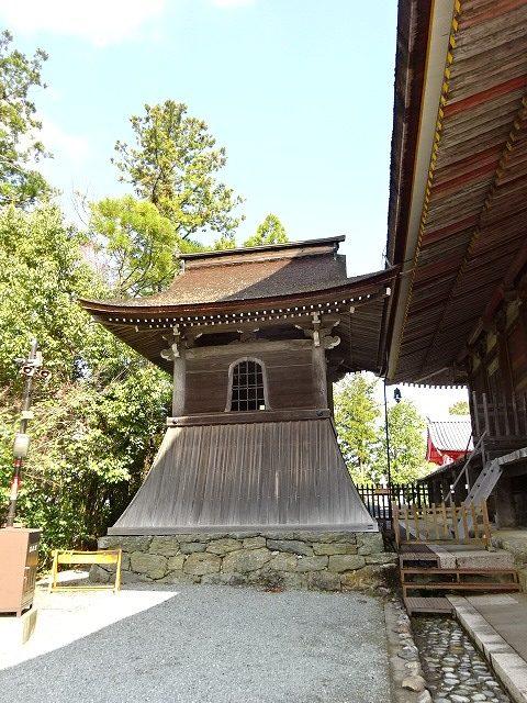 金峯山寺蔵王堂のとなりにある建物