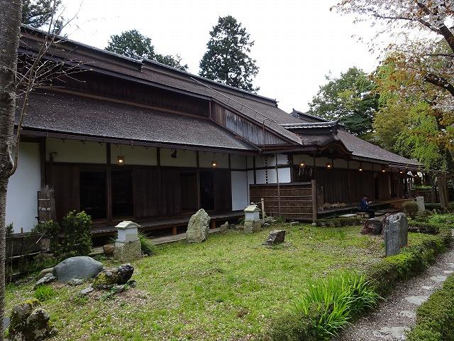 吉水神社書院横から