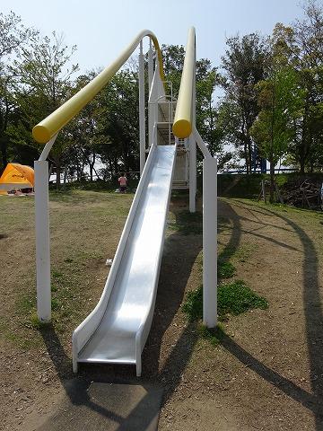 まほろば健康パークの黄色滑り台の滑り台の部分