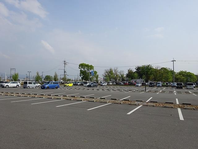 まほろば健康パークファミリープールの駐車場