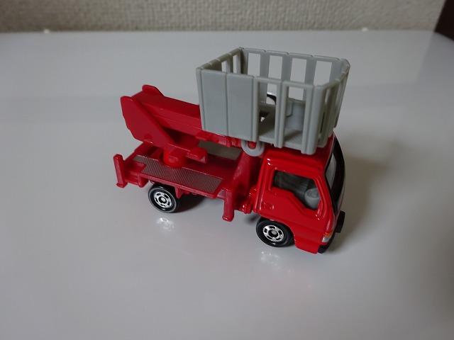 いすゞエルフ 高所作業車