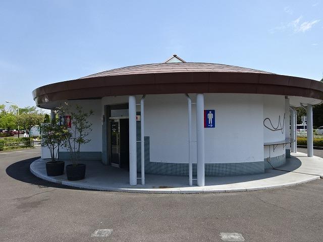 鈴鹿サーキット 駐車場近くのトイレ