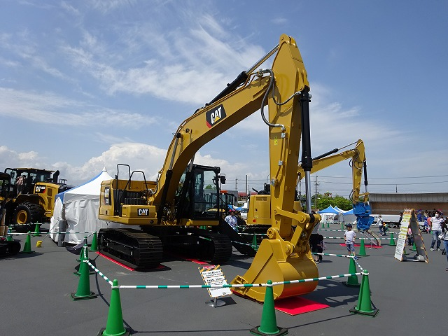 働く車 Cat®320油圧ショベル Next Generation