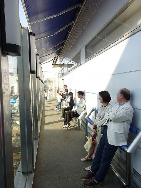 大和西大寺駅展望台デッキの中