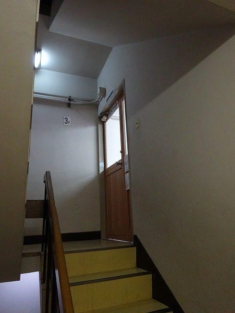 トイトイパーク 大阪市福島店(1号店)入り口のドア