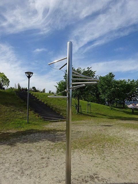 田辺公園健康広場ジャンプタッチ器具