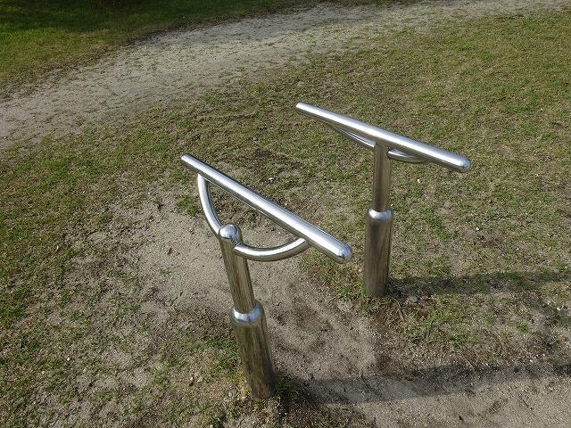 田辺公園健康広場腕立て支持器具