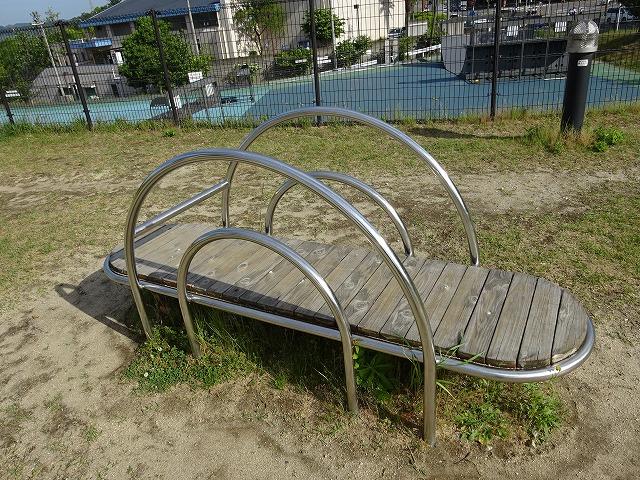 田辺公園健康広場腹筋器具