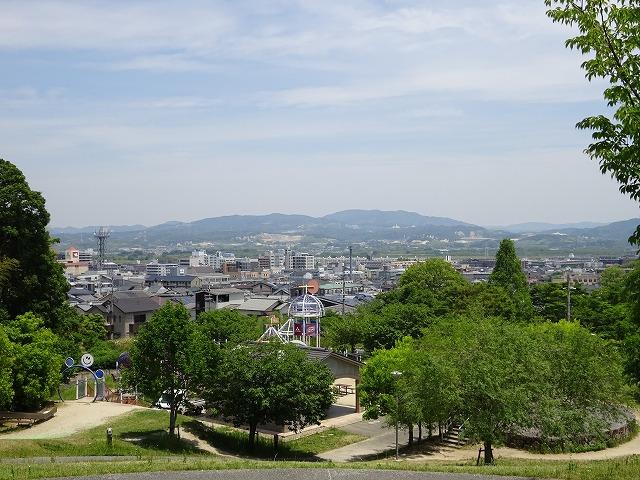 田辺公園展望広場からの京田辺市の景色