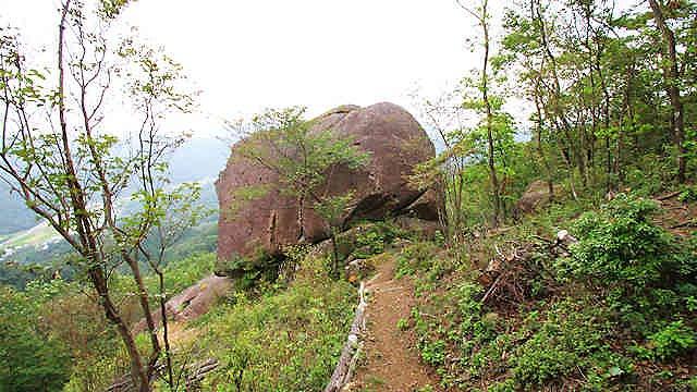 大野山巨岩めぐり
