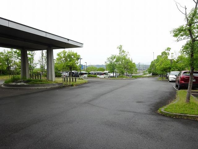 きっず光科学館ふぉとんの駐車場