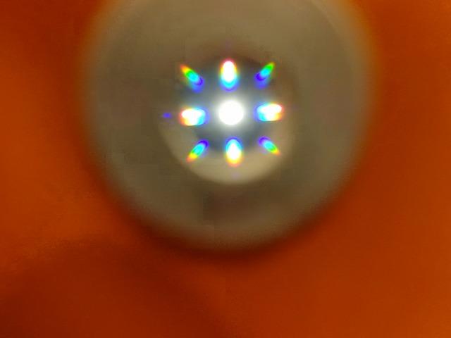 きっず光科学館ふぉとん レーザーラボのオレンジの紙からみた電気