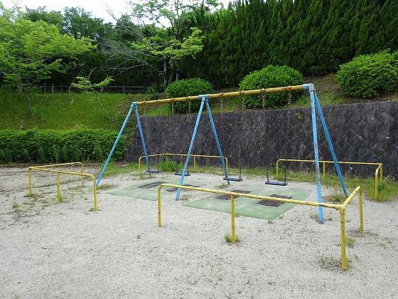 田辺公園のブランコ