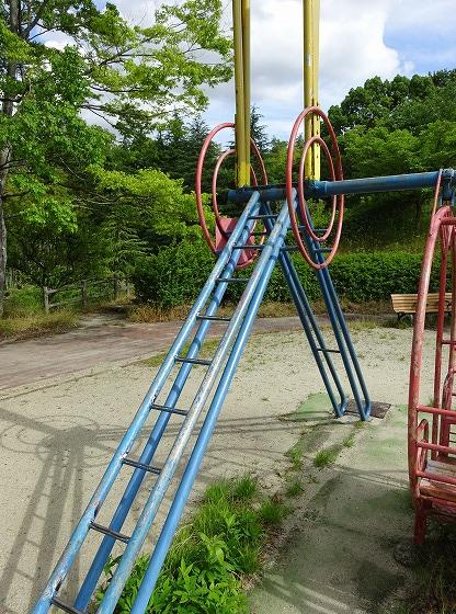 田辺公園の遊具ヒコーキランドのプロペラ部分