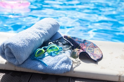 プールサイドのタオル