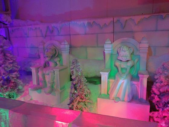 志摩スペインのアトラクション 氷の城1