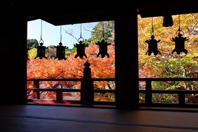 談山神社の拝殿の回廊