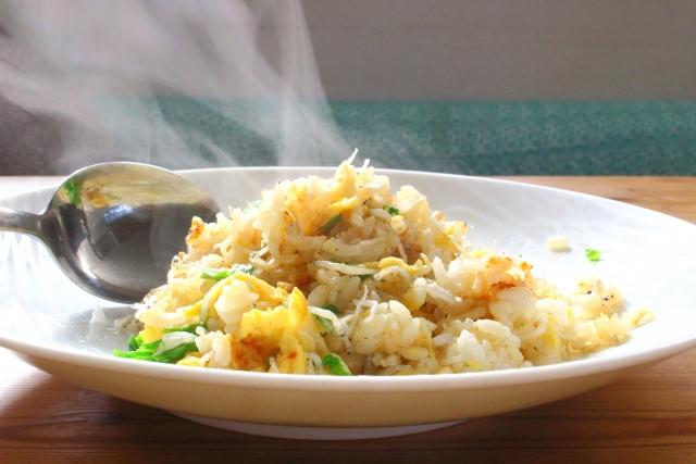 炒飯と湯気